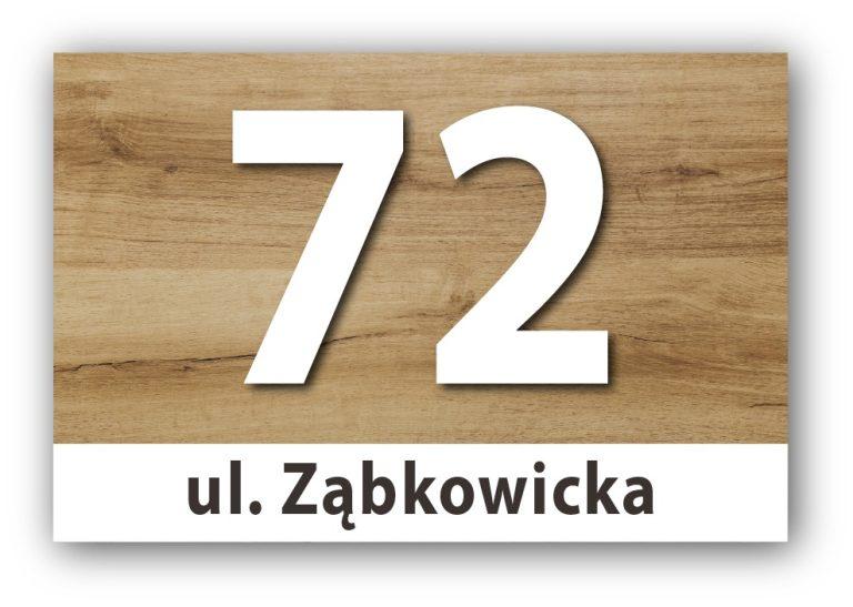 tabliczka z numerem domu